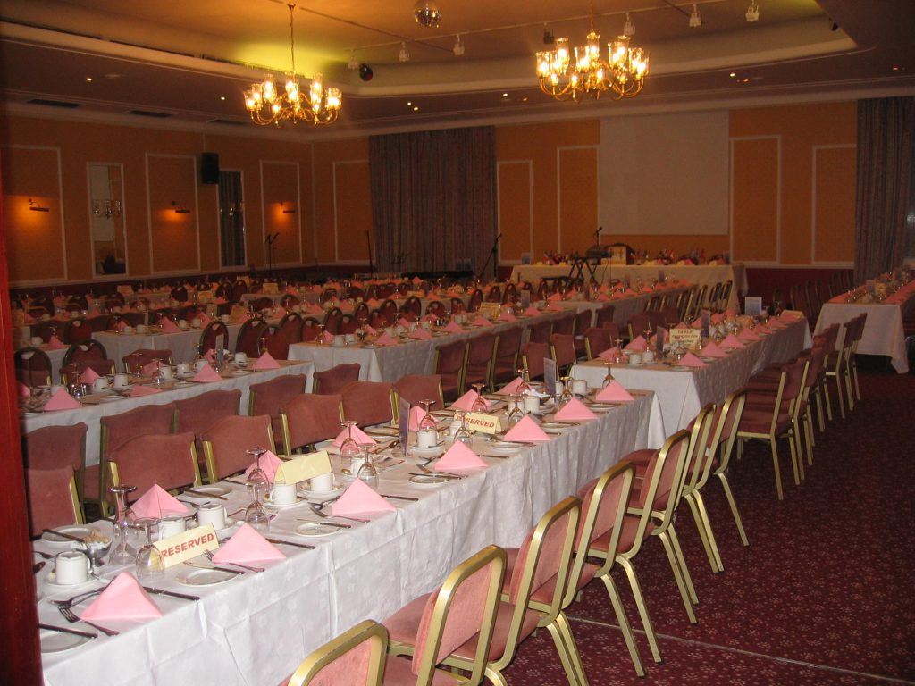 2000<br>Outreach Dinners started at Quality Hotel in Perth